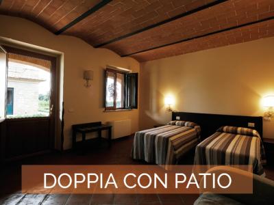 Camera Doppia con patio Agriturismo Poggio al Tufo